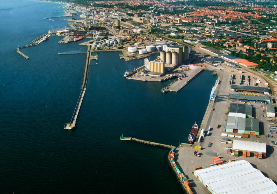 Port of Helsingborg Harbor focus on streamlining and expanding NLAB mission: Rationalizing internal movement of goods Mapping internal transports & resources Simulating