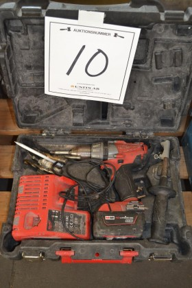 Milwaukee M18CDD, 1 batteri och