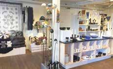 The shop Handkraft in Trollhättan sells handicraft products made by local artists. There is also a gallery. Open: Tue-Fri 11-18, Sat 10-14.